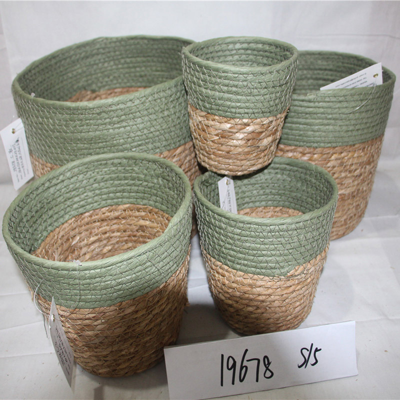 Handmade natural hand water hyacinth grass basket with handle